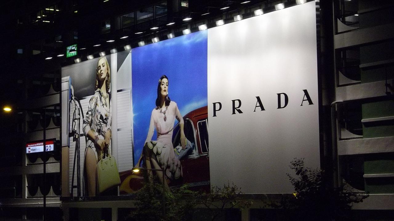 Konstrukcje pod wielkoformatowe reklamy