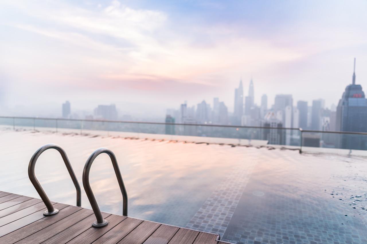 Dlaczego warto mieć w ogrodzie basen?